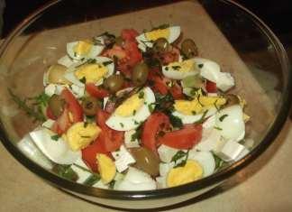 Salata sa povrćem i kuvanim jajima