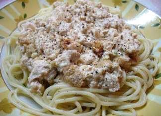 Sočna piletina sa špagetama u sosu od jogurta i sira
