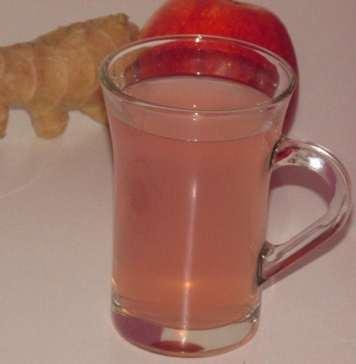 Čaj od đumbira i jabuke