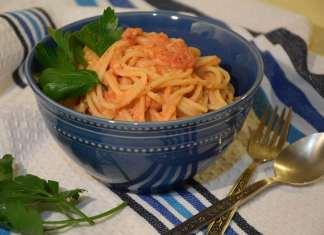 Špagete u kremastom paradajz sosu ili ručak za pola sata