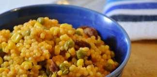 Upržena tarana sa kobasicom graškom i kukuruzom